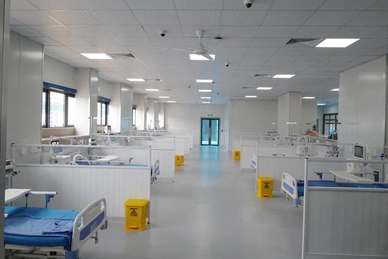 Rạng Đông cung cấp hệ thống và giải pháp chiếu sáng cho Bệnh viện dã chiến điều trị bệnh nhân Covid-19