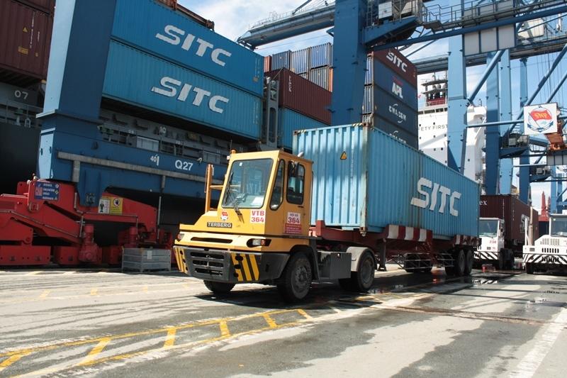 Tổng trị giá xuất nhập khẩu của Việt Nam trong tháng 8 ước đạt 53,7 tỷ USD