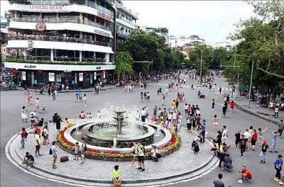 Hà Nội: Sẽ mở rộng thêm 3-5 khu vực tuyến phố đi bộ, đầu tư xây dựng tháp trung tâm tài chính