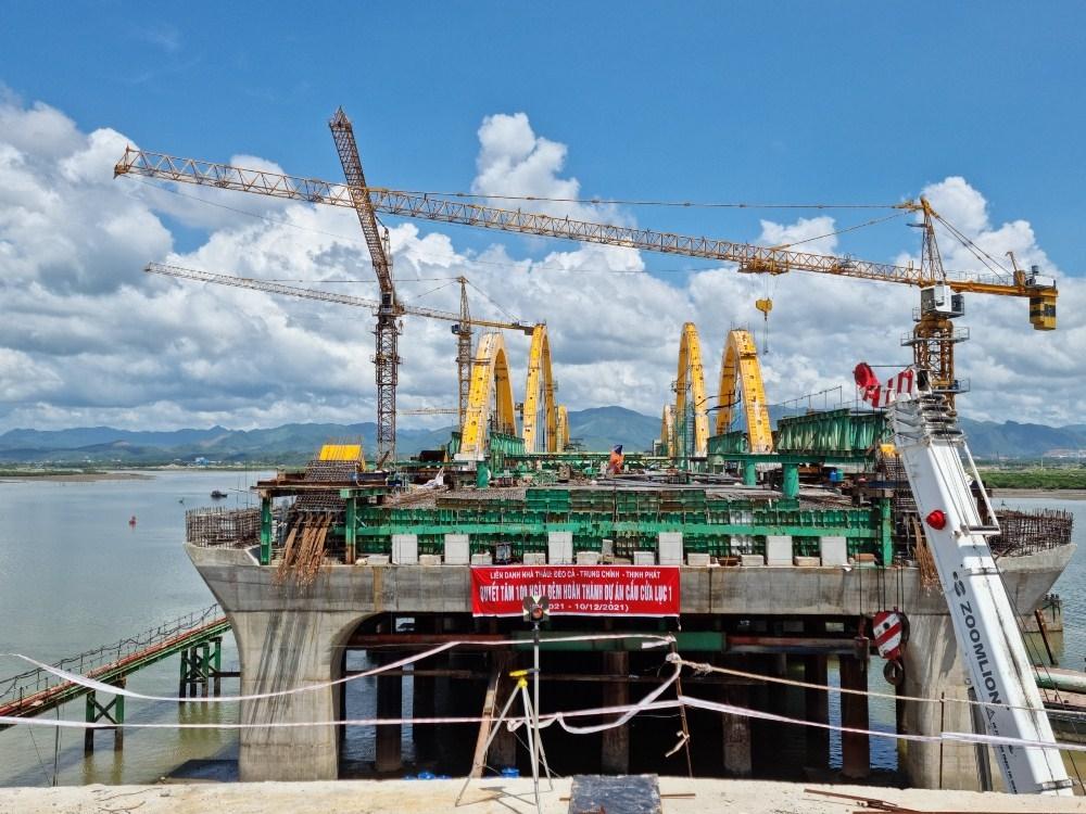 Quảng Ninh: Cầu Cửa Lục 1 đẩy nhanh tiến độ thi công