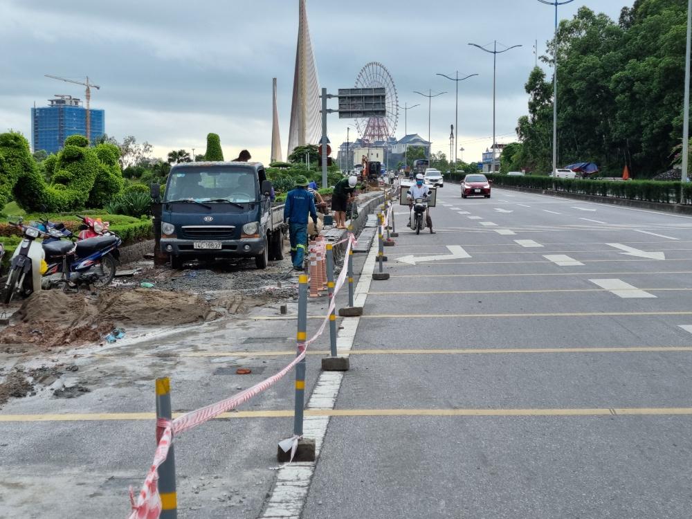 Quảng Ninh: Phân luồng xe thô sơ trên cầu Bãi Cháy