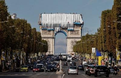Pháp khánh thành dự án bọc vải Khải Hoàn Môn ở thủ đô Paris