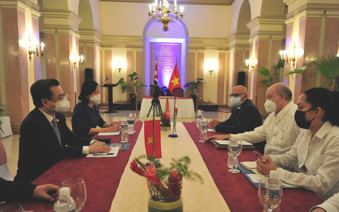 Hội đàm giữa Bộ trưởng Bộ Xây dựng Việt Nam và Bộ trưởng Ngoại thương và Đầu tư nước ngoài Cuba