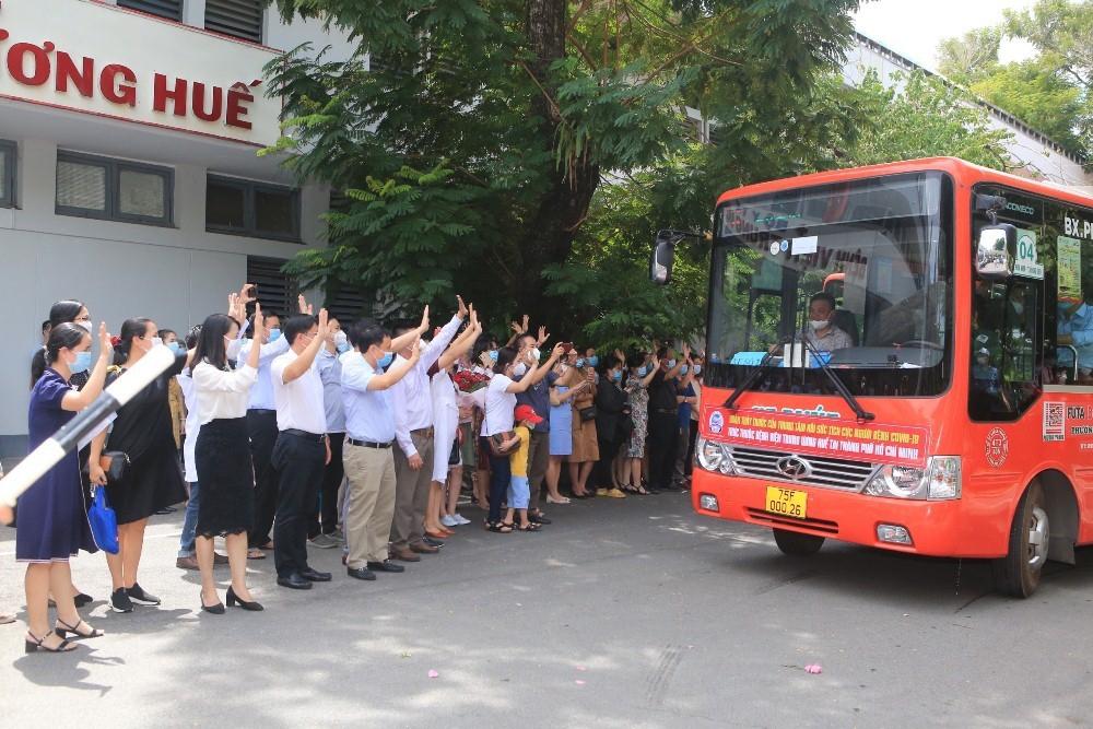 Thừa Thiên – Huế: Tăng cường thêm 115 y, bác sỹ vào Thành phố Hồ Chí Minh phòng, chống dịch Covid-19