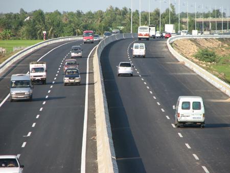 Gia hạn Hiệp định vay hỗ trợ kỹ thuật 3 dự án đường cao tốc
