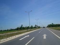 Đảm bảo tiến độ mở rộng QL1A, đường Hồ Chí Minh qua Tây Nguyên