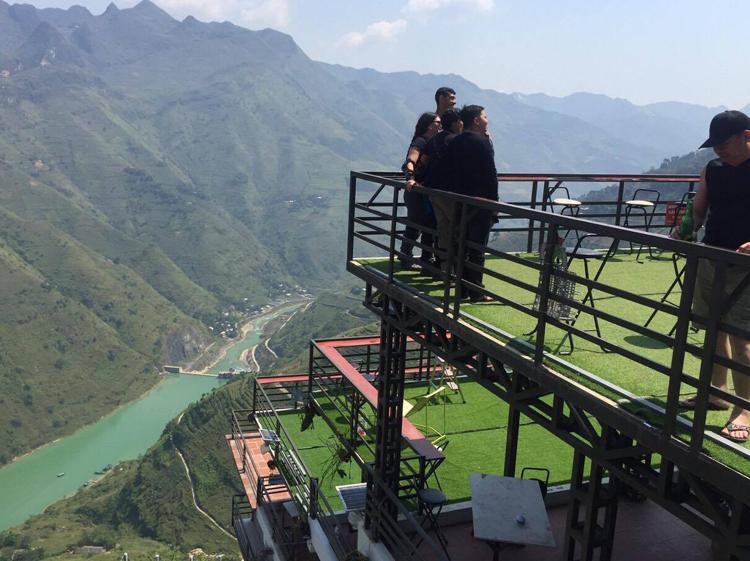 Lập đoàn kiểm tra nhà hàng xây trên đèo Mã Pì Lèng