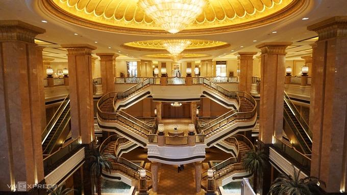 Khách sạn dát vàng 3 tỷ USD của Abu Dhabi
