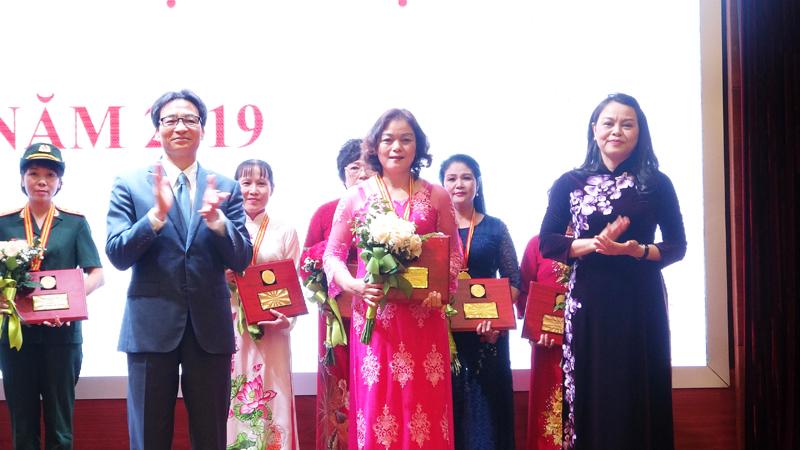 Nữ lao động ngành Xây dựng vinh dự nhận Giải thưởng Phụ nữ Việt Nam năm 2019