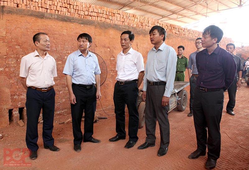 Bắc Giang: Kiên quyết dừng hoạt động các lò gạch công nghệ lò vòng trong tháng 10/2019