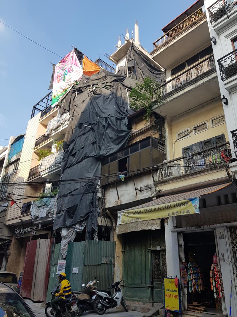 Hoàn Kiếm (Hà Nội): Bao giờ mới xử lý công trình vi phạm trật tự xây dựng tại phường Hàng Bồ?