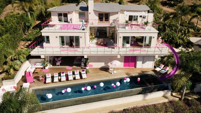 Bên trong ngôi nhà búp bê Barbie phiên bản thật với giá 60 USD/đêm