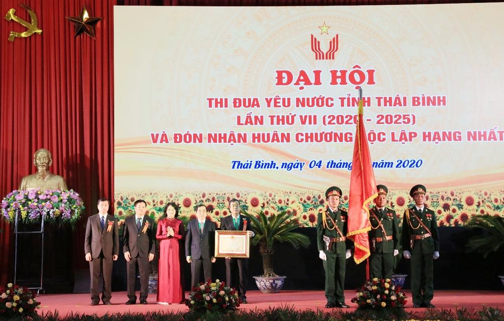 Thái Bình đón nhận Huân chương Độc lập hạng Nhất