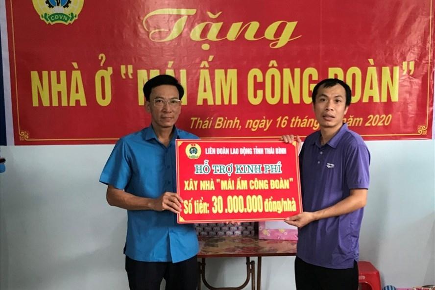 cd cong thuong thai binh trao kinh phi ho tro doan vien xay nha mai am