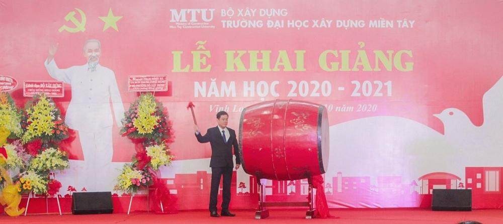 dai hoc xay dung mien tay khai giang nam hoc 2020 2021