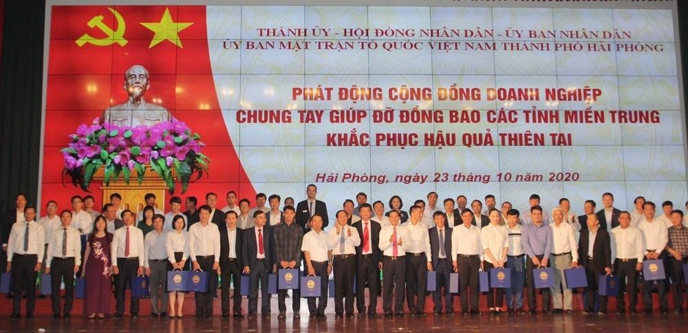 Hải Phòng: Doanh nghiệp quyên góp, chung tay giúp đỡ đồng bào các tỉnh miền Trung khắc phục hậu quả thiên tai