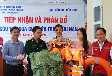 Thừa Thiên - Huế: Phân bổ hàng hóa hỗ trợ người dân khắc phục lũ lụt