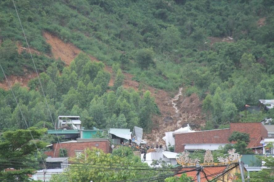 Khánh Hòa: Kiểm tra các dự án đồi núi, đề phòng sạt lở trước bão số 9