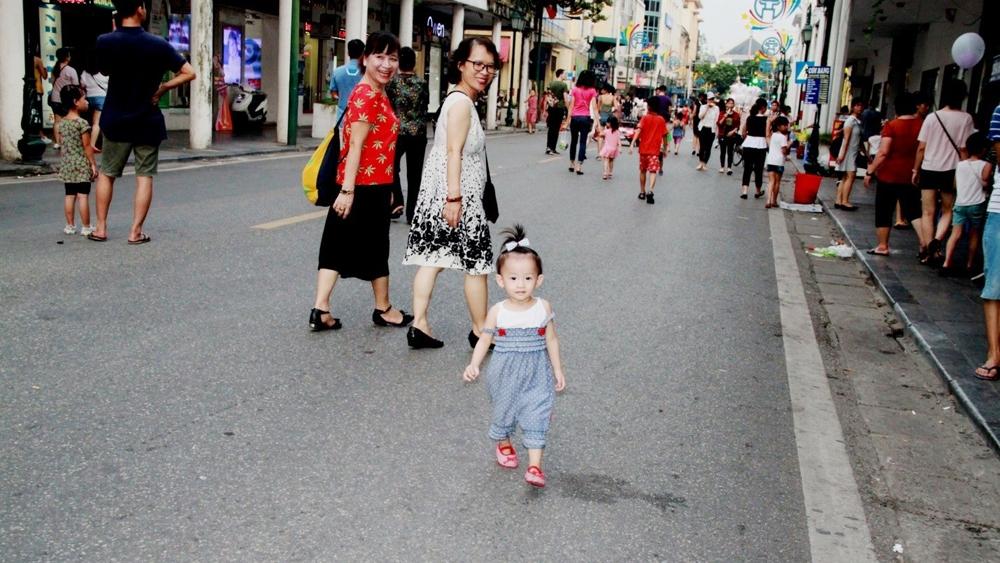 Hà Nội: Doanh nghiệp phố cổ gặp khó khăn khi vắng khách nước ngoài