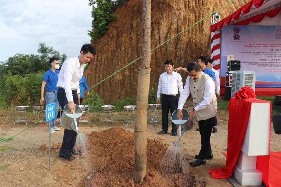 Ấn Độ phối hợp tổ chức Lễ trồng cây tại Yên Bái