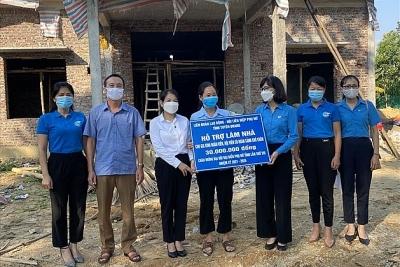 Tuyên Quang: Hỗ trợ 2 gia đình đoàn viên làm nhà mới