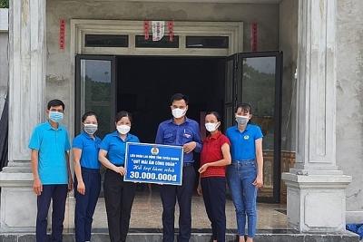 Tuyên Quang: Hỗ trợ 25 gia đình đoàn viên khó khăn xây và sửa nhà