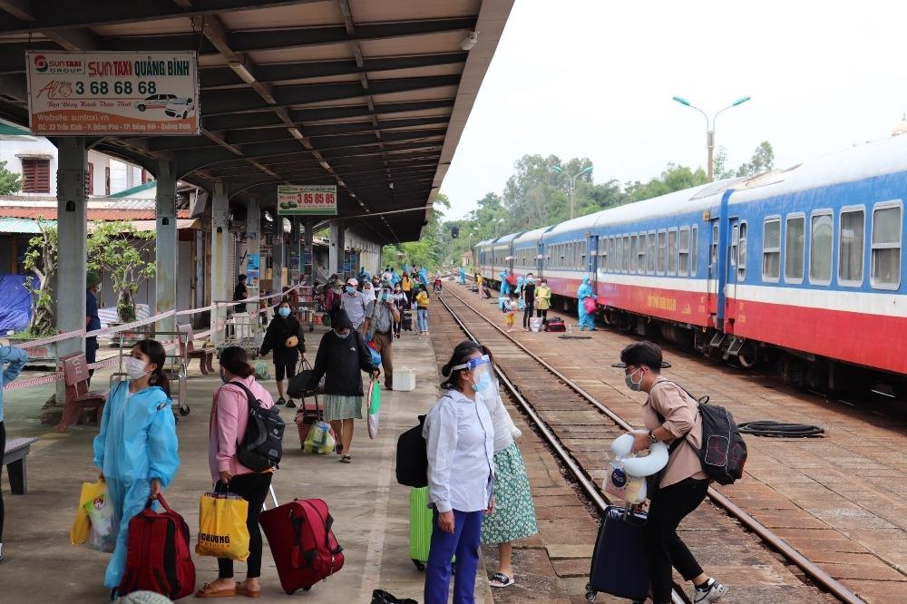 Quảng Bình: Đón gần 2.400 công dân về quê an toàn, thuận lợi