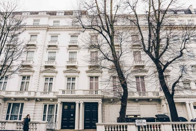 Những ngôi nhà giả kỳ quặc ở London