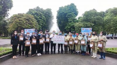 Trao 300 suất quà tới Đoàn viên, người lao động ngành Xây dựng Hà Nội