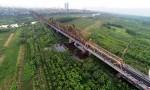 Cầu đường sắt mới cách cầu Long Biên 75m vẫn bất ổn?