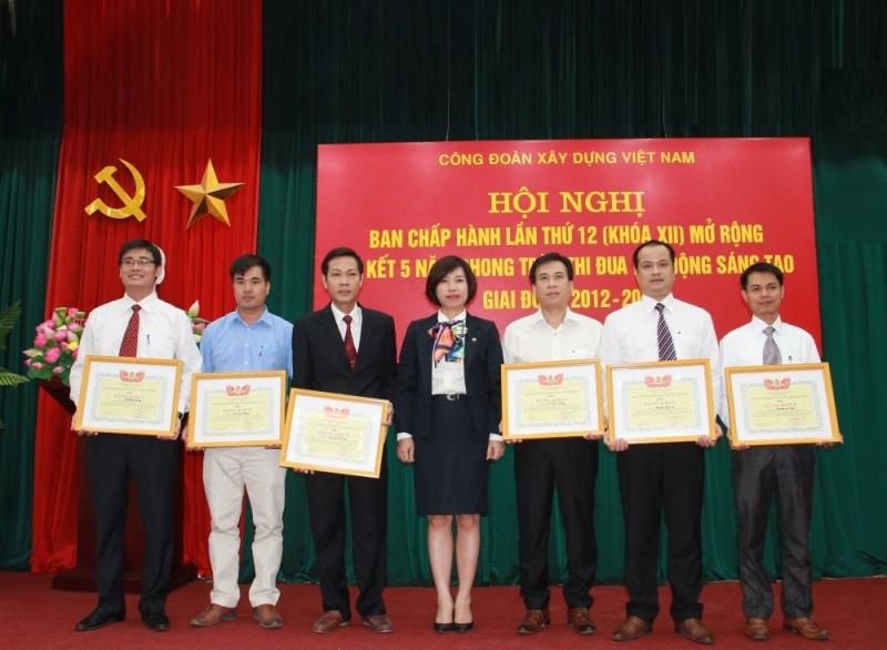 Công đoàn Xây dựng Việt Nam: Sơ kết phong trào thi đua lao động sáng tạo