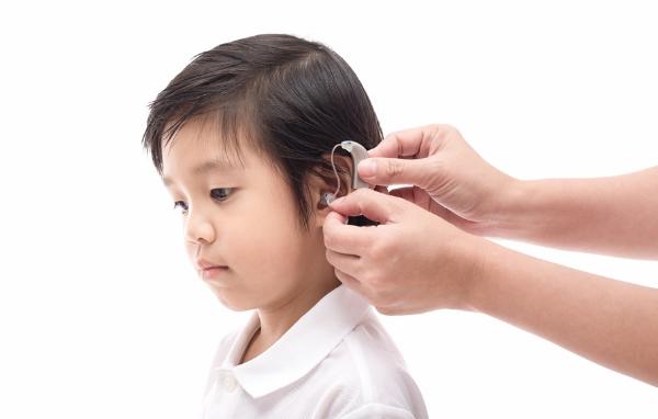 Dấu hiệu cảnh báo trẻ viêm màng não do vi khuẩn phế cầu