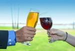 Thói quen uống rượu bia của bạn tổn hại đến thế hệ sau ra sao