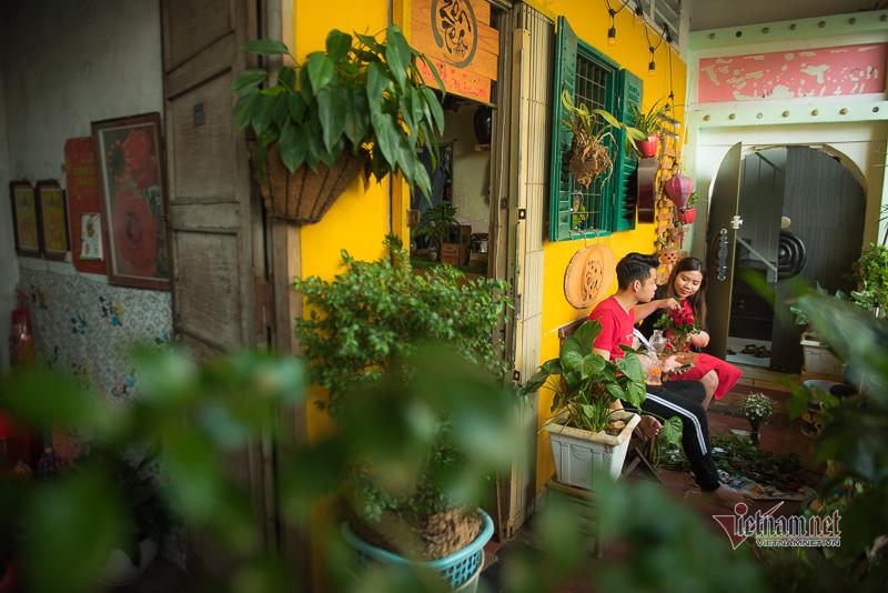 Quán bar, cà phê ở chung cư cổ trăm tuổi thu hút giới trẻ Sài Gòn