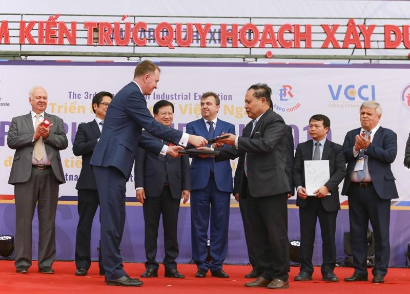 Việt Nam đã bắt đầu đa dạng hoá các sản phẩm fibro xi măng có giá thành phù hợp
