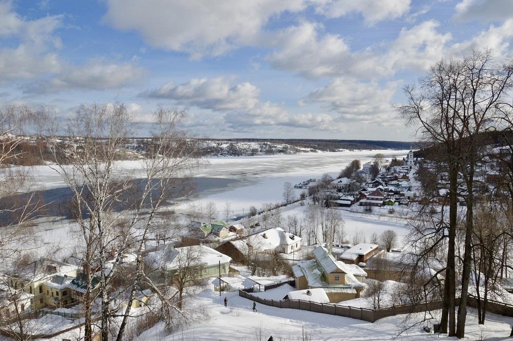 Ngắm nhìn thành phố Pereslavl phủ đầy tuyết trắng vào mùa đông