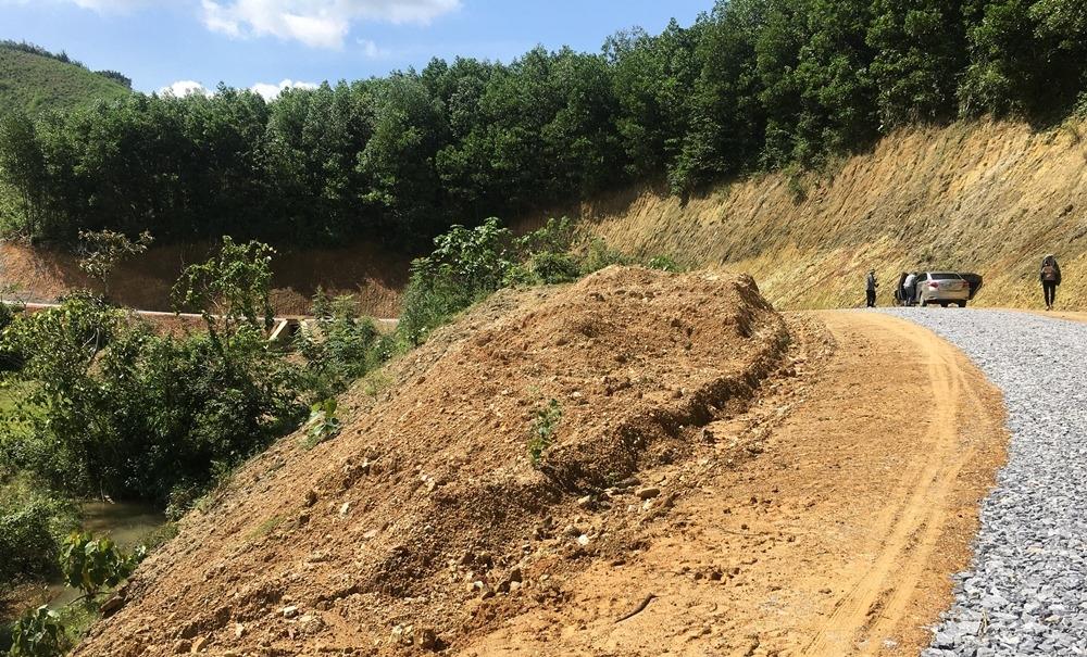 Thanh Hóa: Cần kiểm tra làm rõ việc đổ thải của Dự án đường giao thông Thượng Ninh - Cát Tân