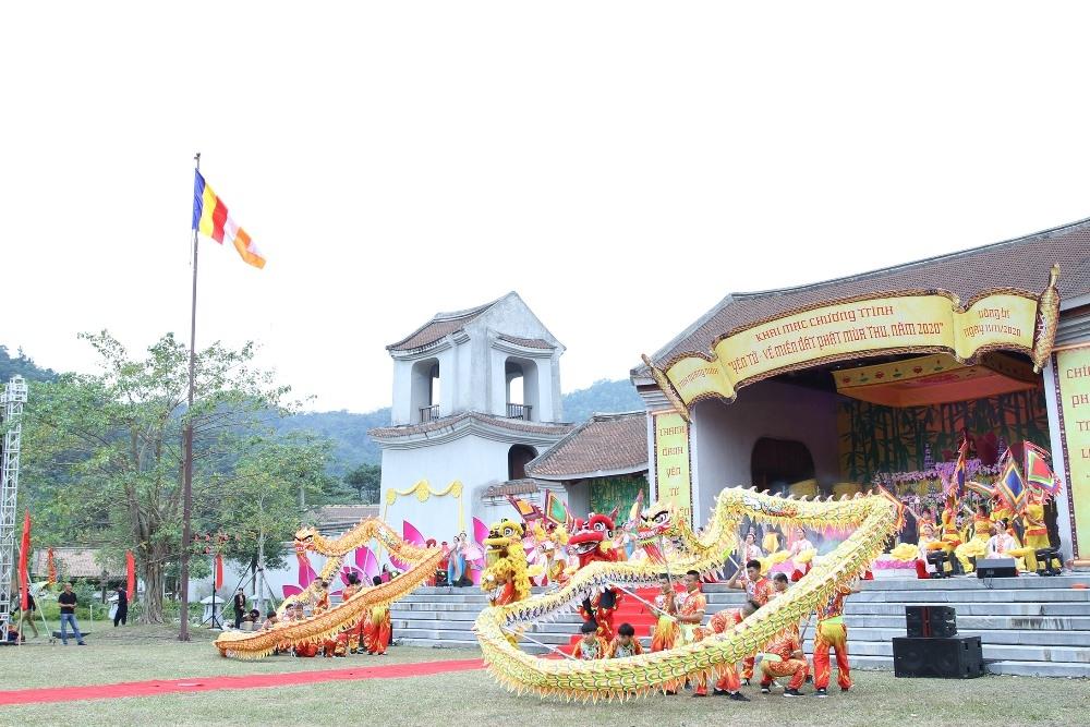 Quảng Ninh: Hai công trình tuyệt tác trên miền đất Phật