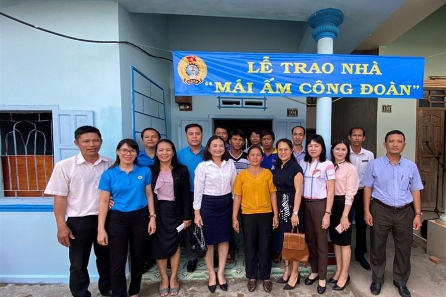 Bình Thuận: Bàn giao nhà Mái ấm Công đoàn cho đoàn viên lao động