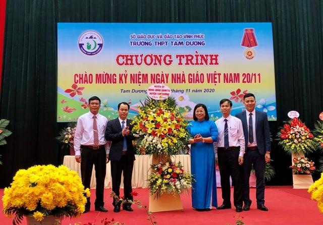 Vĩnh Phúc: Trường THPT Tam Dương kỷ niệm 38 năm Ngày Nhà giáo Việt Nam