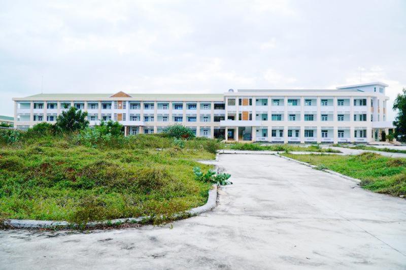 Cận cảnh trường nghề quy mô 2.000 học viên ở Bình Thuận bị bỏ hoang