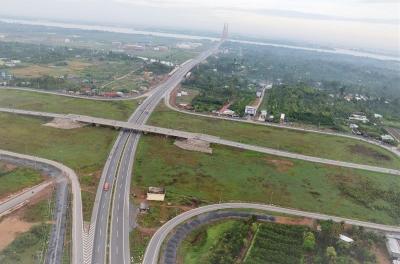 Xây dựng hạ tầng giao thông đường bộ tạo động lực thúc đẩy phát triển kinh tế - xã hội vùng Đồng bằng sông Cửu Long