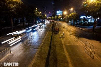 Xén dải phân cách đường Lê Văn Lương chuẩn bị đào hầm chui 700 tỷ đồng