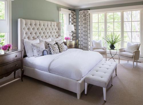 103226baoxaydung image008 Cùng nhìn qua những mẫu ghế trắng trang nhã cho phòng ngủ