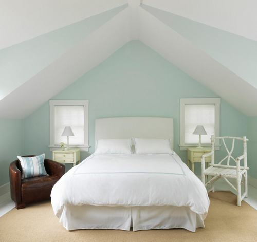 103226baoxaydung image009 Cùng nhìn qua những mẫu ghế trắng trang nhã cho phòng ngủ