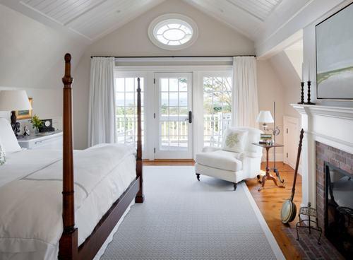 103226baoxaydung image013 Cùng nhìn qua những mẫu ghế trắng trang nhã cho phòng ngủ