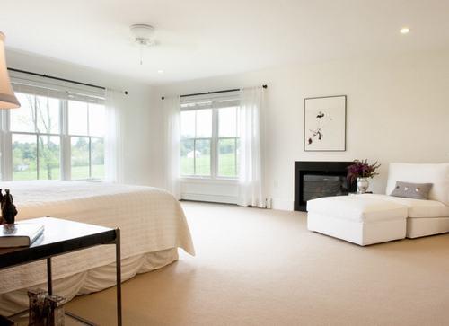 103226baoxaydung image015 Cùng nhìn qua những mẫu ghế trắng trang nhã cho phòng ngủ