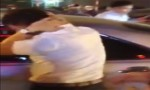 [VIDEO] Tài xế ôtô bị đánh hội đồng vì bỏ chạy sau tai nạn