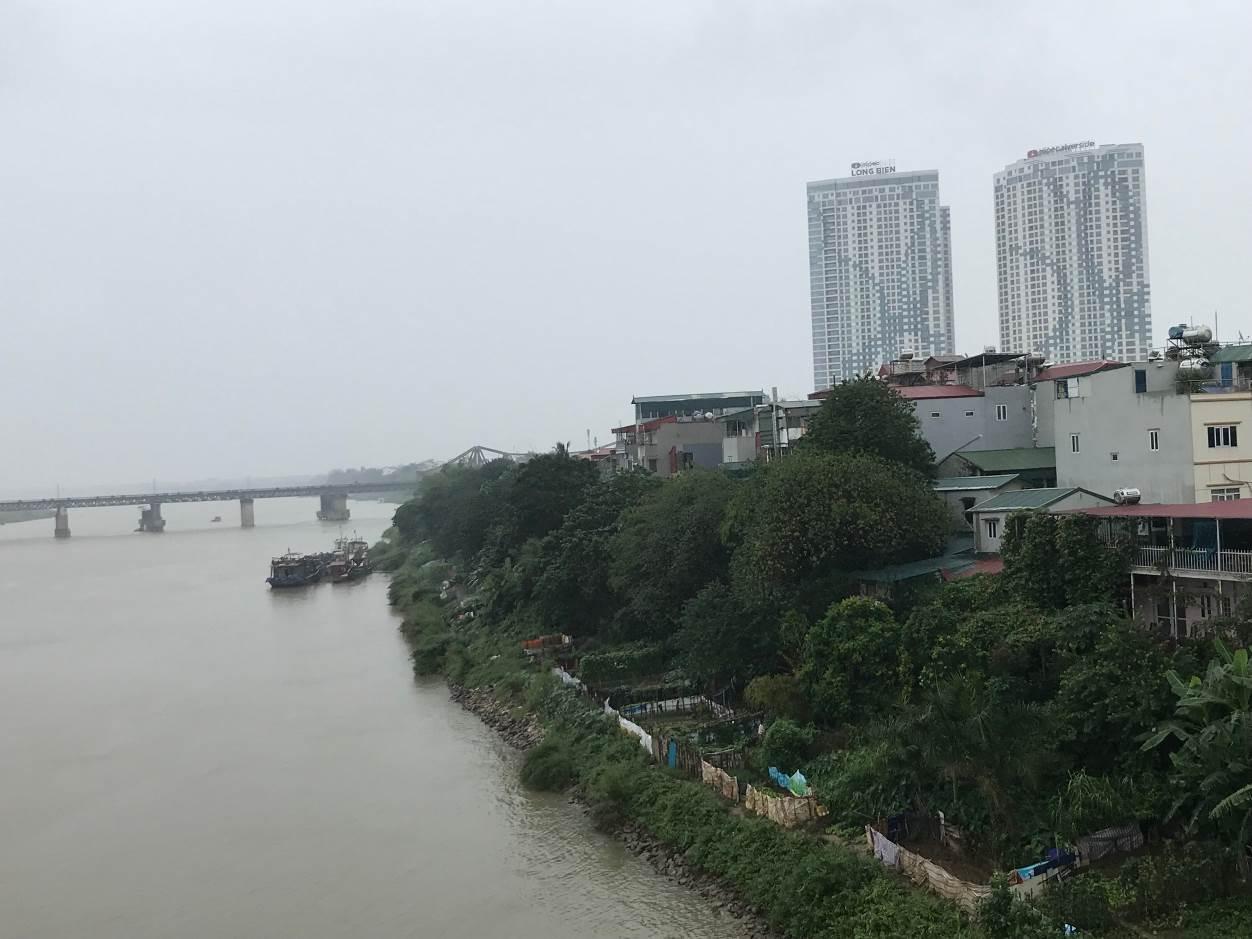 Quy hoạch phòng, chống lũ trên sông Hồng: Chuyên gia nói gì về việc TP Hà Nội đề xuất di dời hơn 2.200 hộ dân?