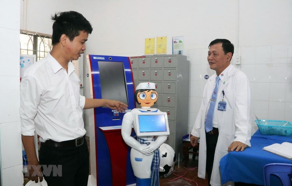 robot co tam mang chat linh trong hanh trinh y te thong minh